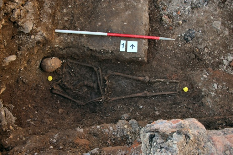 Human Remains found in trench one of the Grey Friars dig. A11-2012-SK1-19e. By permission of the University of Leicester.