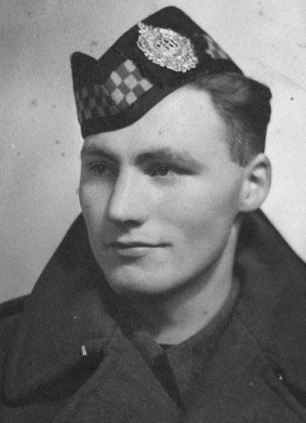 Vernon Scannell during his time in the Army