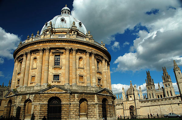 The Radcliffe Camera, part of the Bodleian Library, University of Oxford. By Kamyar Adl CC-BY-2.0 via Wikimedia Commons.