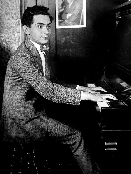 Irving Berlin 1906: Publicity photo of Irving Berlin taken by his early music publishing company for promotion. By Life magazine images - Book: Life: Our Century in Pictures (2000). Via Wikipedia Commons.
