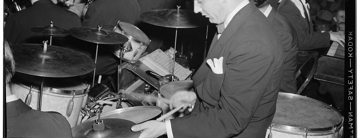 1280px-Gene_Krupa,_Washington,_D.C.,_between_1938_and_1948_(William_P