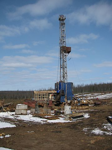 360px-Abrakupchinskaya_oil_exploration_drilling_rig_in_Evenkiysky_District