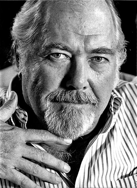 Publicity photo of Robert Altman, AP News, 1983. Public domain via Wikimedia Commons.