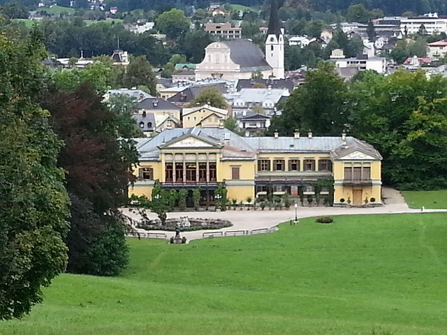 Kaiservilla in Bad Ischl, Austria: the summer residence of Emperor Franz Joseph I. Kaiserville, Bad Ischl, Austria.By Blue tornadoo CC-BY-SA-3.0, via Wikimedia Commons