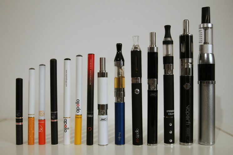 Different types of electronic cigarettes by Vaping360. CC BY 2.0 via Flickr.