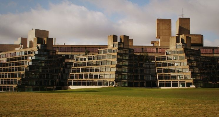 Ziggurat halls of residence buildings, University of East Anglia by blank space via Wikimedia Commons [CC BY 2.0]