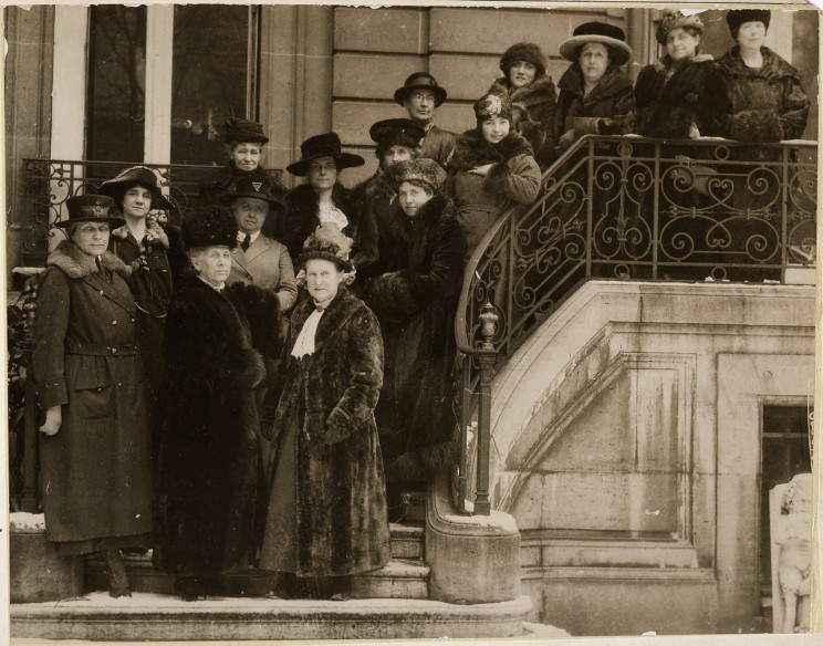 Allied women in Paris to plead for international suffrage. Underwood &Underwood, Photographer War Department. US National Archives and Records Administration. 27 February 1919. Public domain via Wikimedia Commons.