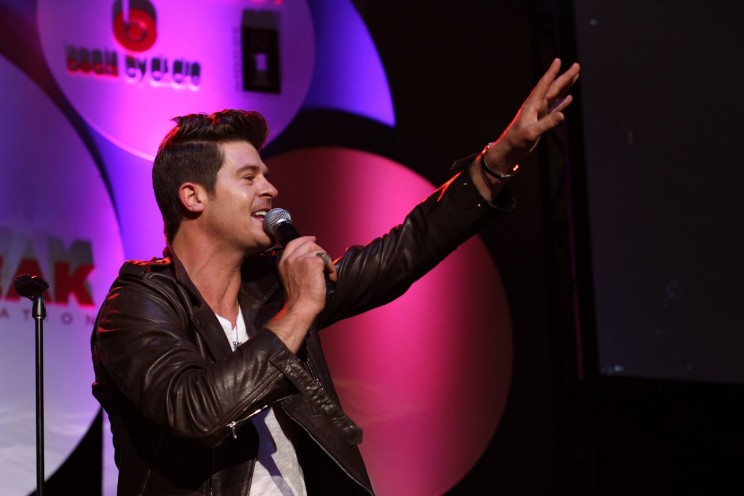 Robin Thicke, performing, by City Year. CC-BY-2.0 via Flickr.