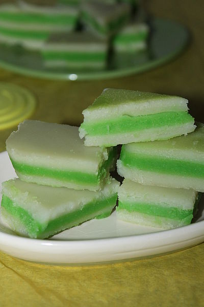 """""""Kuih Lapis in green and white layers"""" by Nithyasrm. CC BY-SA 4.0 via Wikimedia Commons."""