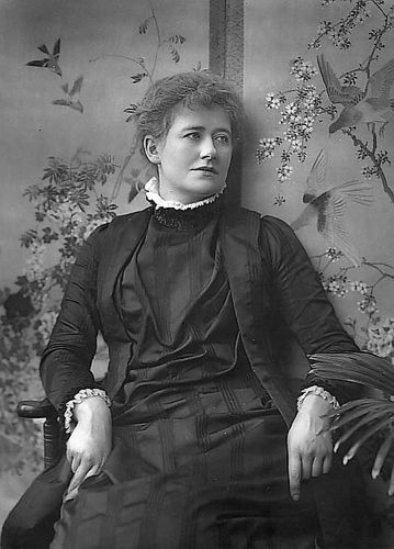 Ellen_Terry,_by_Herbert_Rose_Barraud