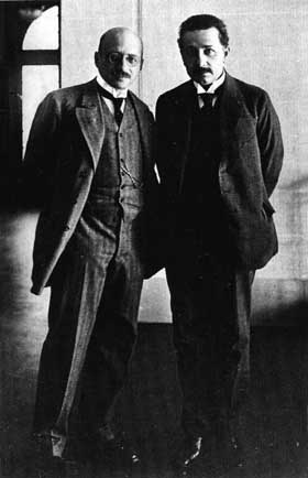 Fritz Haber and Albert Einstein at the Kaiser-Wilhelm-Institut fuer physikalische Chemie und Elektrochemie, Berlin-Dahlem, 1914 by S. Tamaru. Used with permission by Archiv der Max-Planck-Gesellschaft, Berlin-Dahlem.