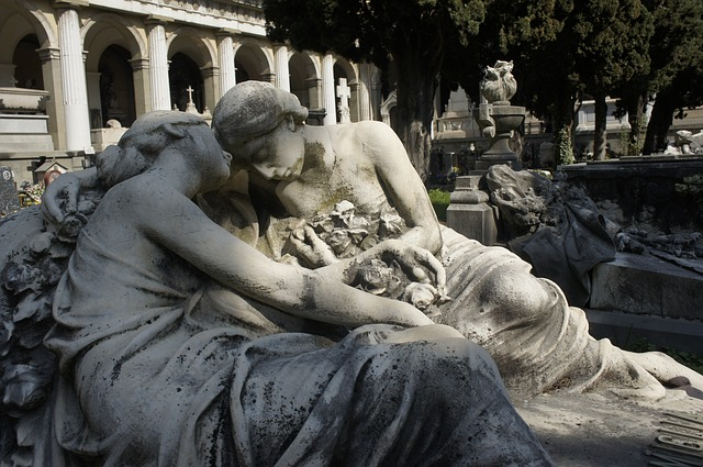 Mourning statues at the Staglieno Cemetery in Genoa. Creative Commons license via Wikimedia Commons.