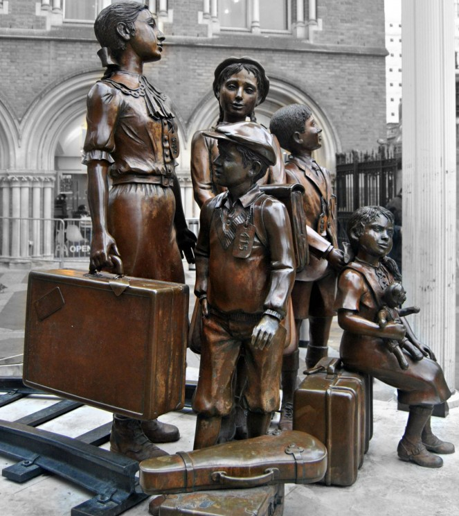 """Children of the """"kindertransport"""", statue at Liverpool Street Station, London. Image by Loco Steve. CC-BY-SA-2.0 via Flickr."""