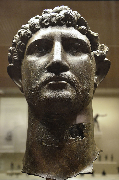 Bronze head from a statue of Hadrian, found in the River Thames in London, by FollowingHadrian. CC-BY-SA 4.0 via Wikimedia Commons.