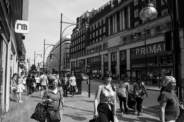 Oxford Street Shoppers by Numinosity (Gary J Wood). CC-BY-2.0 via Flickr