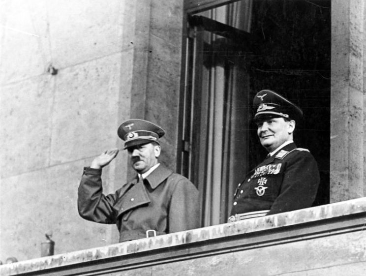 Berlin, Adolf Hitler und Hermann Göring. German Federal Archives, CC-BY-SA 3.0 via Wikimedia Commons.