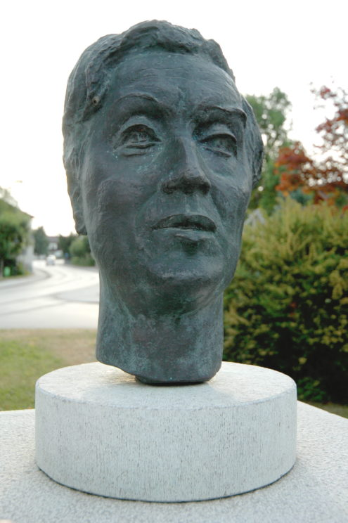 Bust of Alban Berg in Austria. Photo: Johan Jaritz, CC BY-SA 3.0 via Wikimedia Commons.